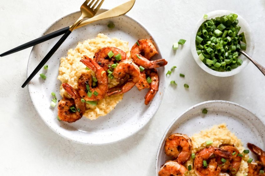 Shrimp and Cheesy Cauliflower Grits